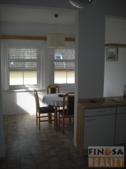 Nájem hezkého bytu 3+1 na okraji Chomutova v ulici Jabloňová.