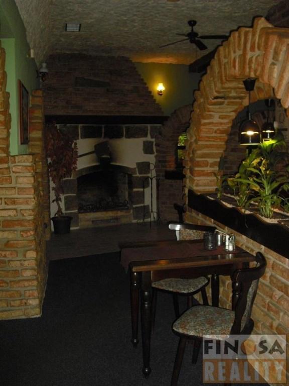 Na prodej zavedená stylová restaurace Koliba Rustika v Jirkově.