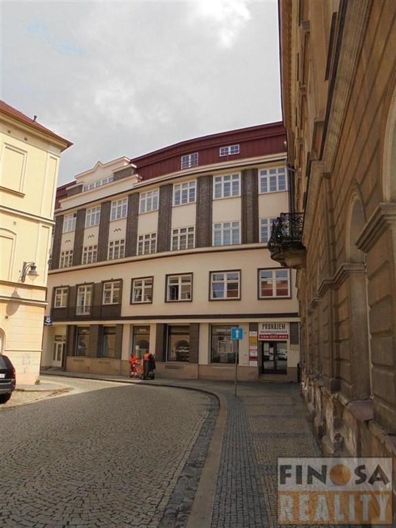 Nájem atraktivního nebytového prostoru přímo na náměstí v Chomutově.