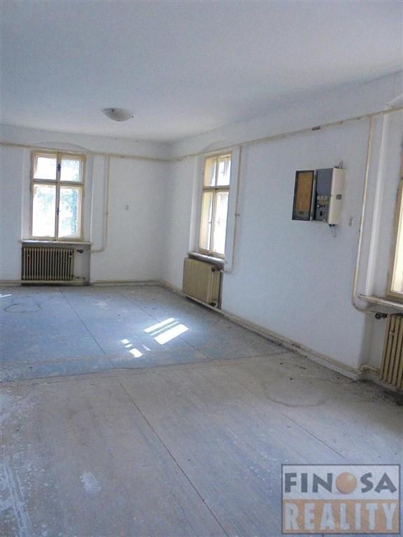 Na prodej samostatně stojící dům v Hořeticích u Žiželic.