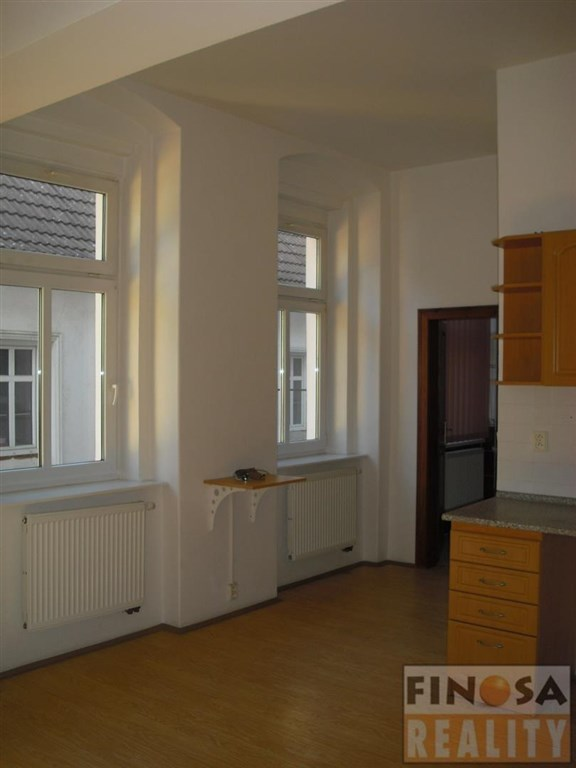 Nájem hezkého bytu 2+kk v centru Chomutova.