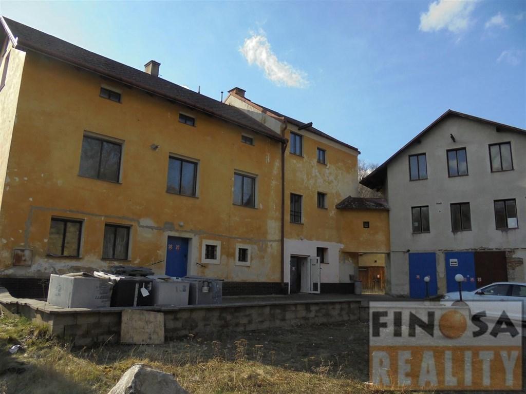 Na prodej samostatně stojící dva objekty občanské vybavenosti v obci Jílové – část Martiněves, okr. Děčín.