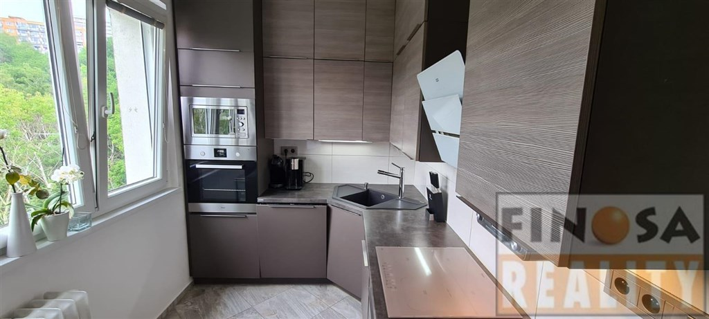 Na prodej zrekonstruovaný OV byt 3+1L ve vyhledávané lokalitě města Chomutov.