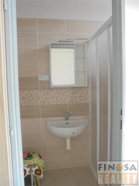 Nájem nově opraveného bytu 1+kk v Benešově n. Ploučnicí.