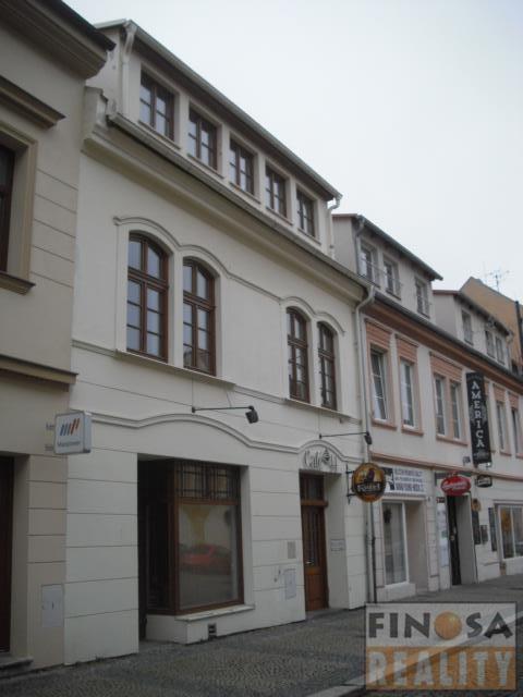 Nájem hezkého bytu 2+kk s terasou v centru Chomutova.