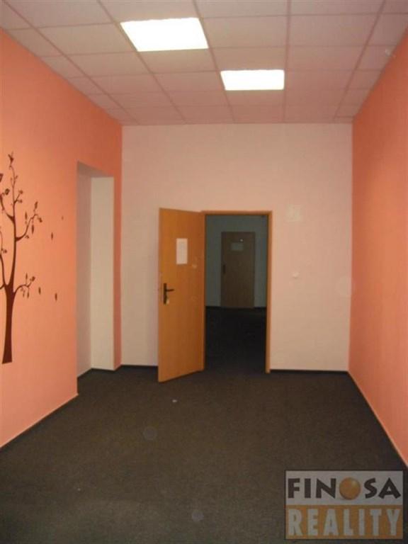 Nájem kancelářských prostor v centru Chomutova.