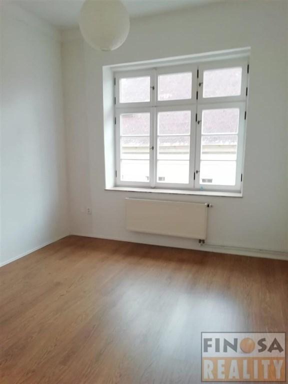 Nájem prostorného bytu v samotném centru Chomutova.