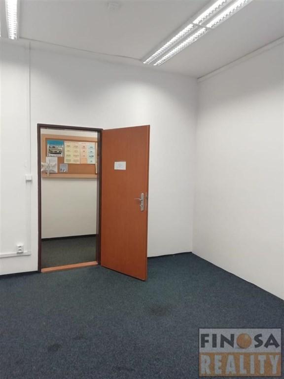 Nájem kancelářských prostor na sídlišti v Chomutově.