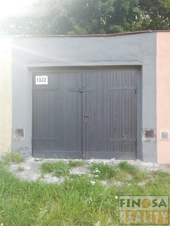 Na prodej řadová garáž v Jirkově.