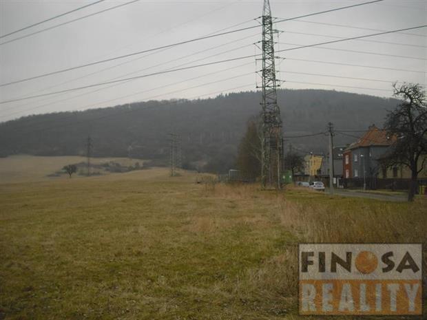 Na prodej velký pozemek v Trmicích, okres Ústí nad Labem