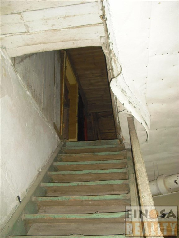 Na prodej samostatně stojící dům Na Měděnci, okres Chomutov