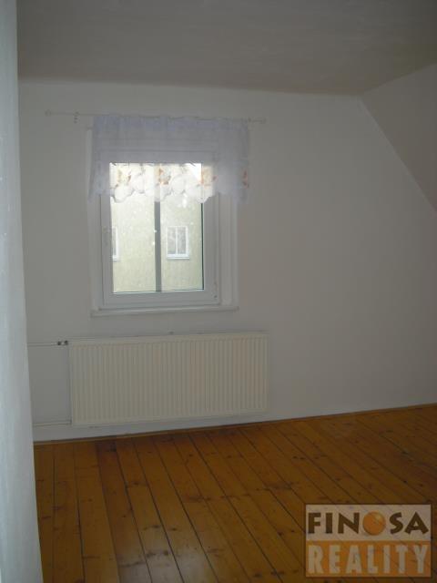 Nájem hezkého podkrovního bytu 3+1 v Chomutově.