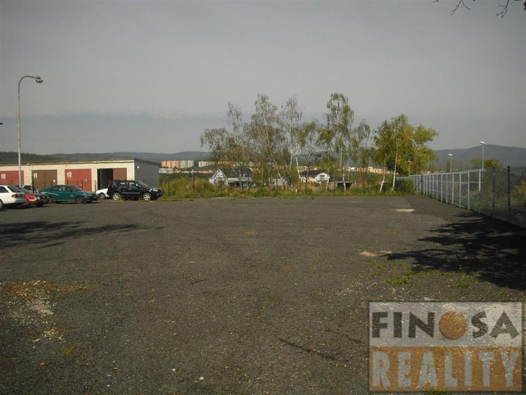 Nájem parkovacích míst v uzavřeném areálu, Zadní Vinohrady, Chomutov