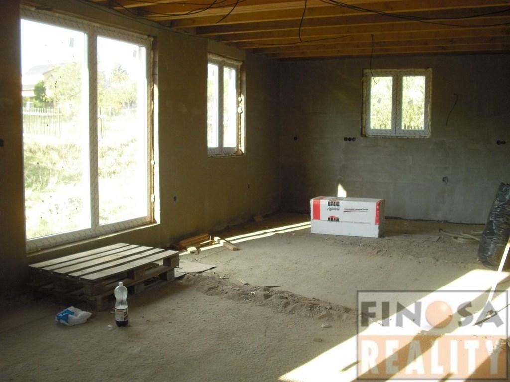 Na prodej hrubá stavba rodinného domu na Děčínsku