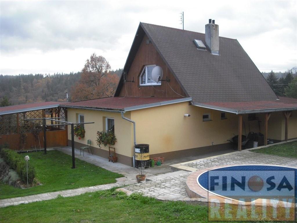 Na prodej hezký zařízený rodinný dům v Blahuňově, okres Chomutov.