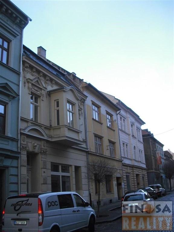 Nájem přízemní prodejny v centru Chomutova