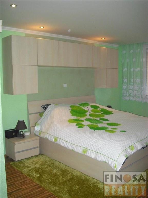 Na prodej nadstandardní byt 1+2 s balkonem, v ulici Holešická, Chomutov