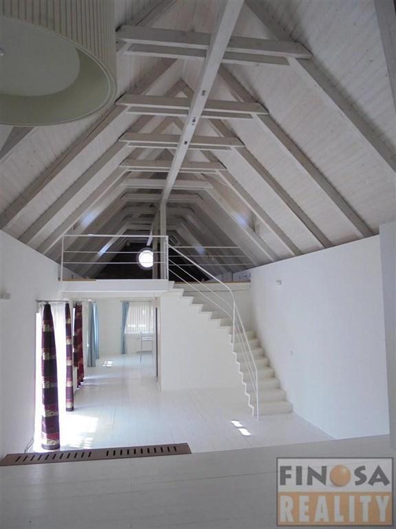 Atraktivní rodinný dům v Okoři