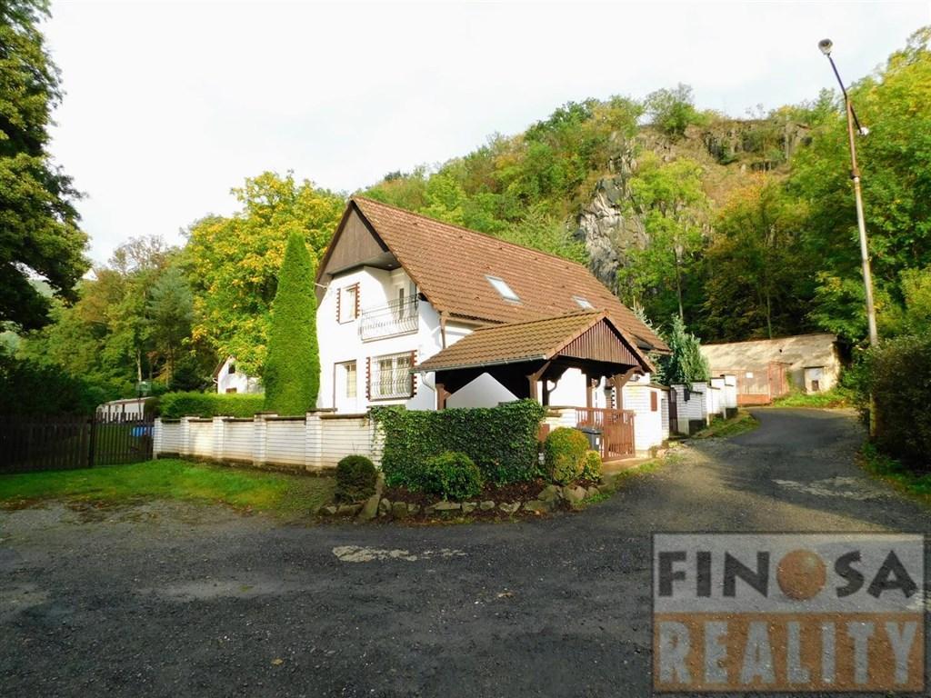 Rodinný dům v Božtěšicích, Ústí nad Labem.