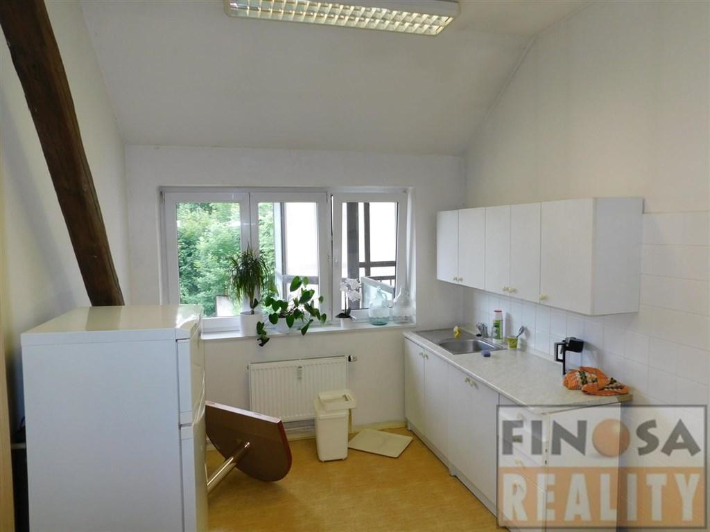 Pronájem kancelářských prostor v centru Ústí nad Labem.