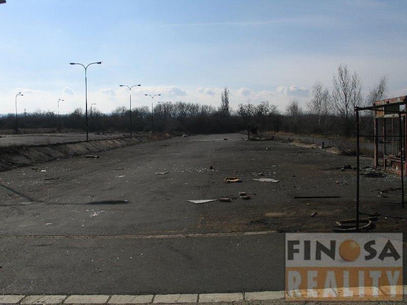 Pronájem pozemku – zpevněné plochy – pro komerční účely v Lenešicích, okr. Louny.