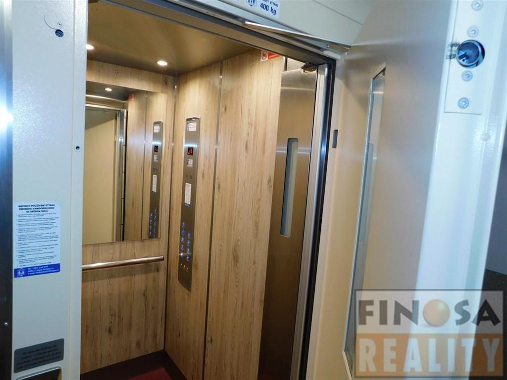 Nájem bytu 2+1 s lodžií (osobní vlastnictví) v Ústí nad Labem – Střekov