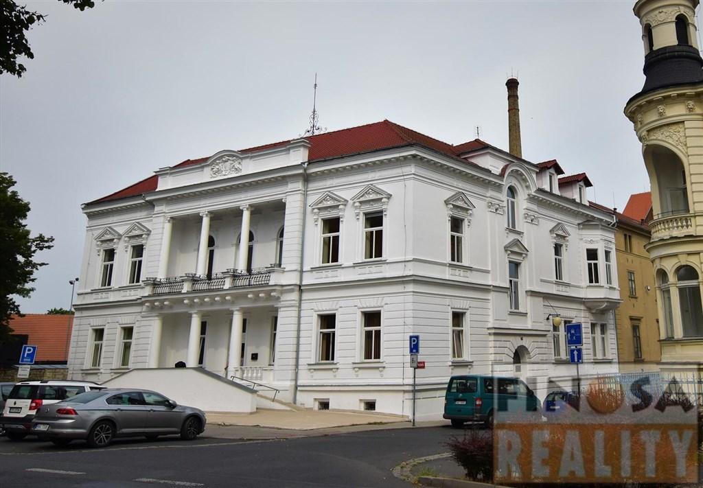 Prvorepubliková vila v Žatci, ul. J. A. Komenského