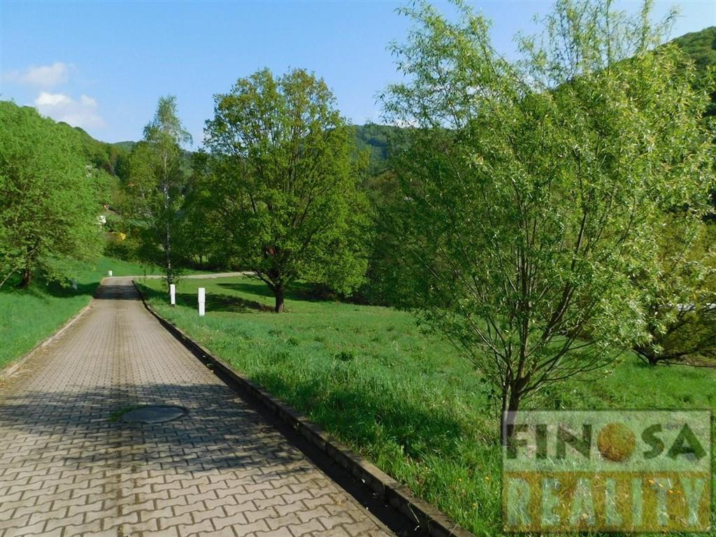 Pozemek pro stavbu rodinného domu v Povrlech, okres Ústí nad Labem