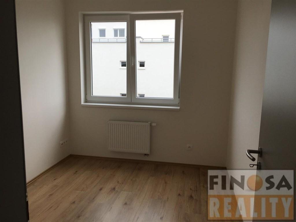 Pronájem bytu – 3+kk – novostavba – Praha-Kyje, ul. Fedorova