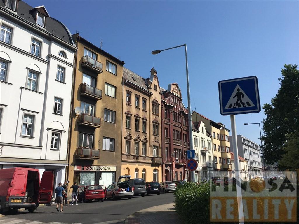 Prodejna s výlohami v Ústí nad Labem-Střekov, ul. Varšavská