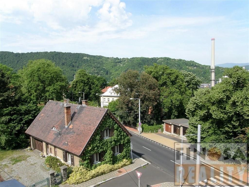 Reprezentativní vila s byty a pozemkem v Ústí nad Labem